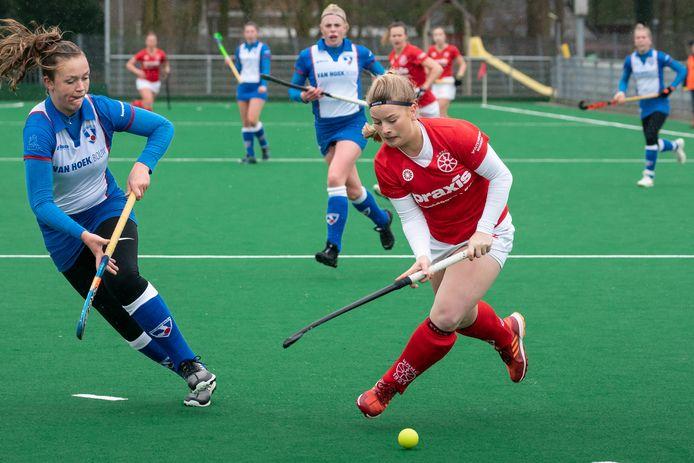 Wageningen (rode shirts) won in het weekeinde voor de coronacrisis met 4-3 van Zwolle. De play-offs lagen in het verschiet.