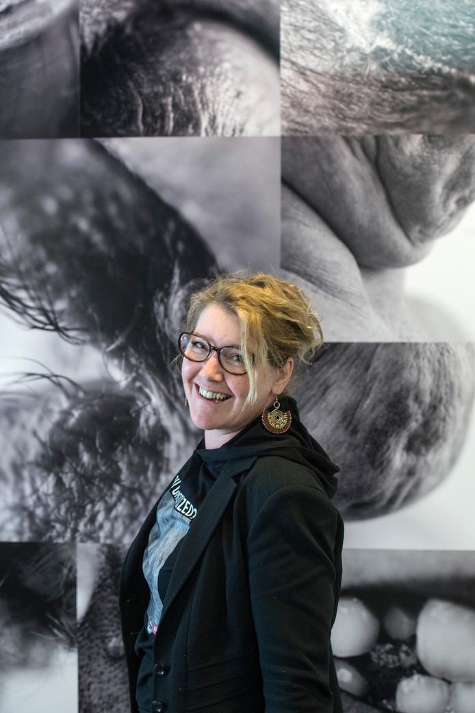 Kunstenares Annemarieke van Peppen.