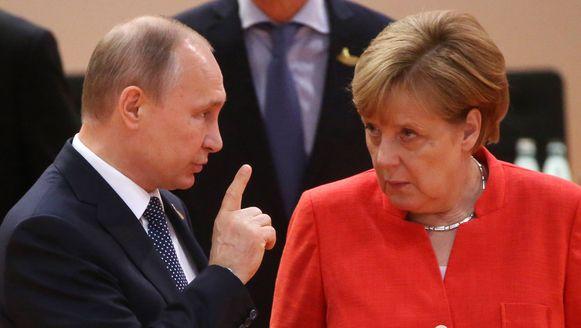 Poetin en Merkel op de G20-top in Hamburg.