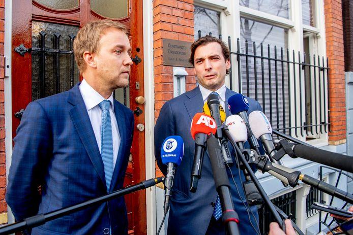 Lennart van der Linden en Thierry Baudet staan de pers te woord.