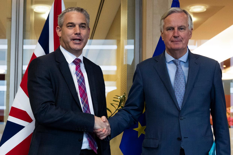 De Britse brexit-minister Stephen Barclay (links) sprak vrijdagochtend in Brussel met EU-hoofdonderhandelaar Michel Barnier.