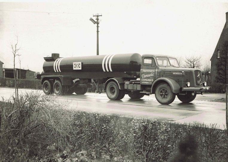 Een van de eerste vrachtwagens van Vervaeke.