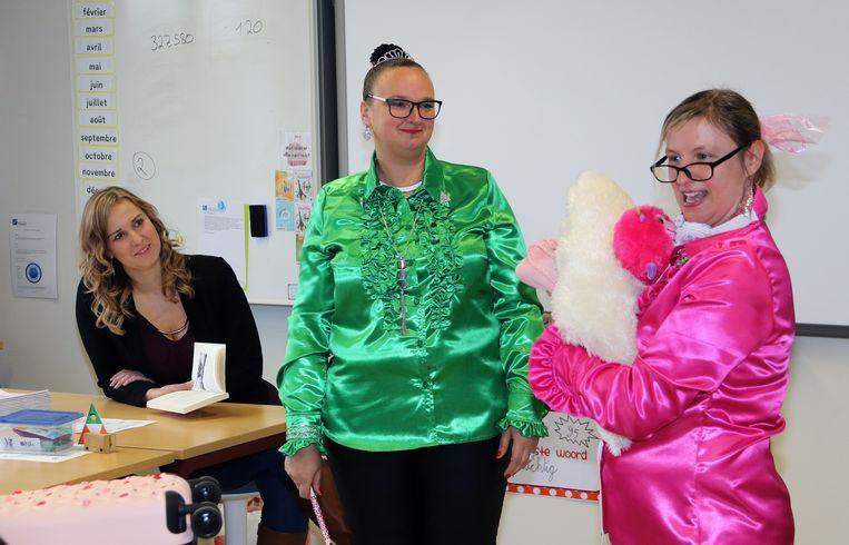 Mademoisellen Ils en Sandra brachten de eerste leestip naar de kleuters en leerlingen van GO! basisschool De Boomgaard.
