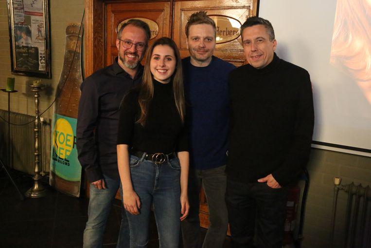 Nina Butera met producer Christophe Severs en tekstschrijvers Udo en Yannic Fonderie.