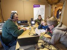 Landelijk zendstation scouting in Neede: 'Dit is de magie van de radio'