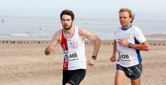 En ook in Nieuwvliet was Angelo van Nevel (links) de snelste over de langste afstand.