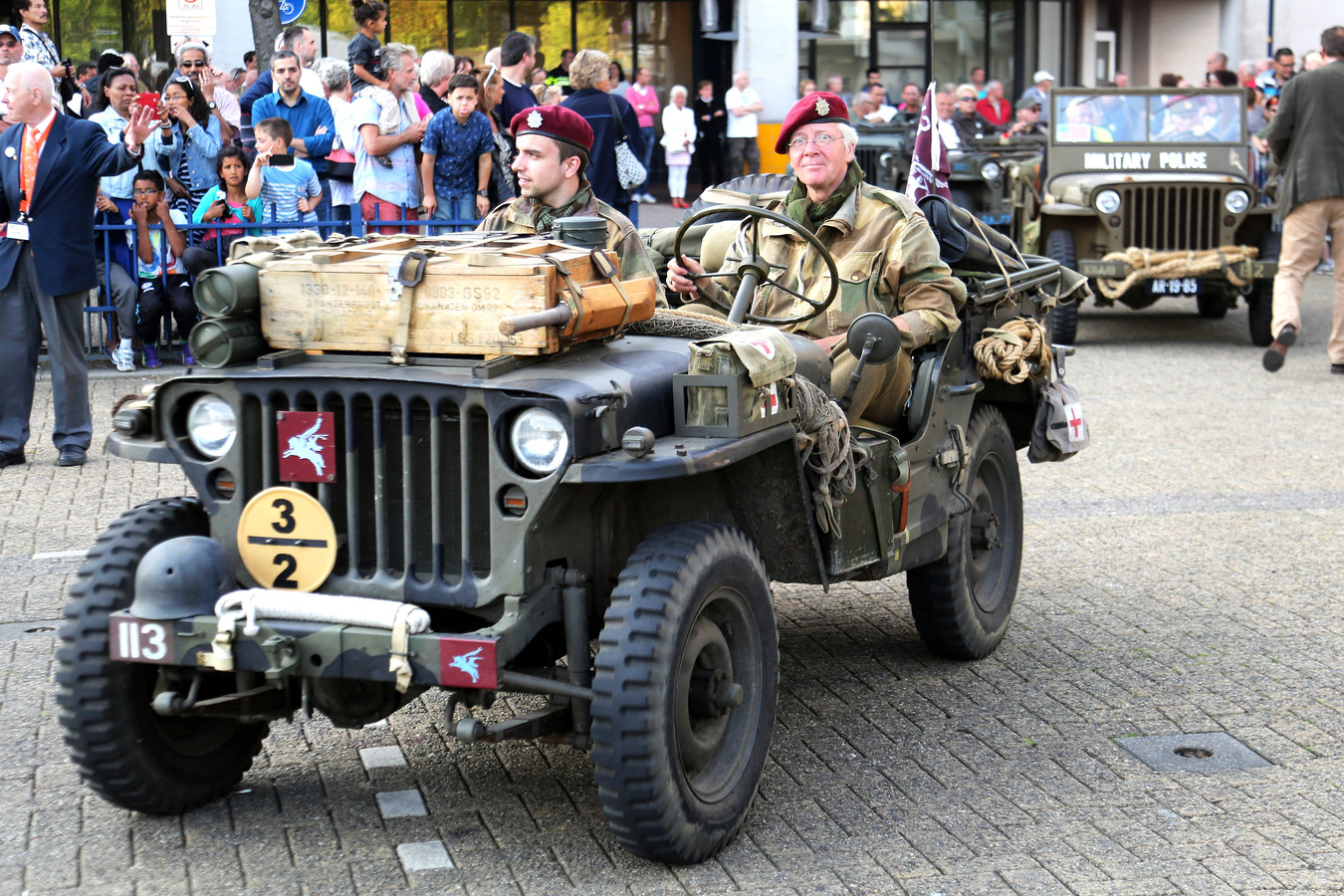 Veteranen in de straten van Zoeermeer.