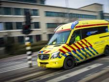 Mag je door rood rijden als er een politieauto, brandweer of ambulance achter je rijdt?