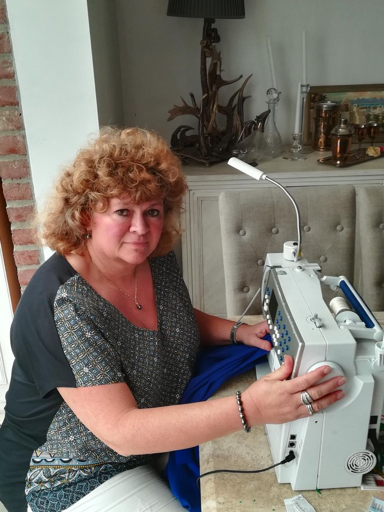 Dierdre Rudman ontwierp het Mandela-hemd voor Manneken pis.