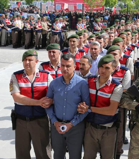 Proces tegen generaals mislukte coup  Turkije van start