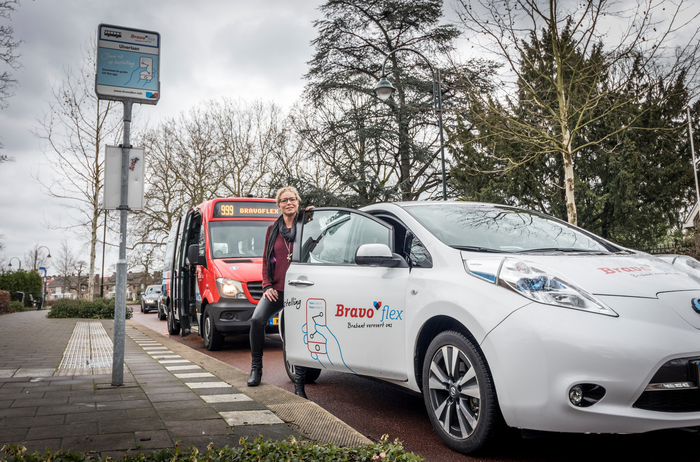 Bravoflex rijdt met auto's in Eindhoven.