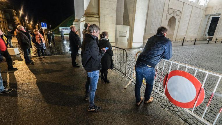 Publiek onder de Menenpoort is sinds maart niet meer toegelaten.
