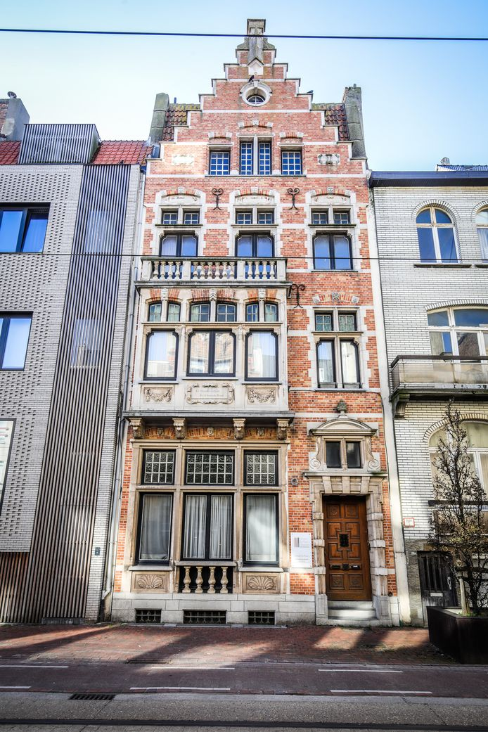 Het pand in Vlaamse neo-renaissancestijl verdwijnt voor een appartementencomplex.