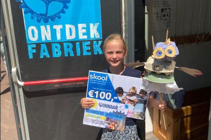 Sophia den Oude van basisschool De Toermalijn in Bavel heeft een ScienceMakers Award gewonnen voor haar creatie 'Mevouwtje Eierdoos'.
