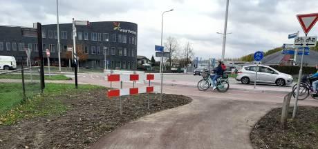 Provincie wil omstreden rotonde in Karstraat niet verder aanpassen; Bal ligt bij Lingewaard