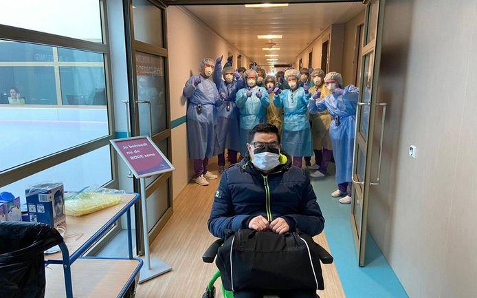 Harold Ouwens uit Helmond verlaat het Ommelander Ziekenhuis.