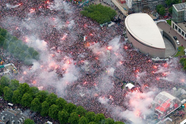 Beeld van de huldiging van Ajax op het Museumplein in 2011. Beeld anp