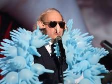 Le costume détonnant de Philippe Katerine aux Victoires de la Musique