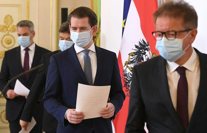 L'Autriche souhaite progressivement assouplir les restrictions en vigueur pour lutter contre le nouveau coronavirus à partir du 14 avril, en commençant par la réouverture des petits commerces et selon un calendrier qui s'étalera sur plusieurs mois, a annoncé lundi le gouvernement.