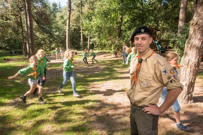 Maarten Roelofse is de trotse voorzitter van scouting Ragay Redoz Harderwijk. ,,Het is een grote familie''.