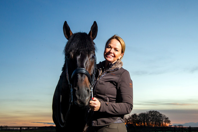 Tosca Visser met Asther de Jeu: ,,Mensen die zelf paarden hebben begrijpen hoe sterk die band is''.