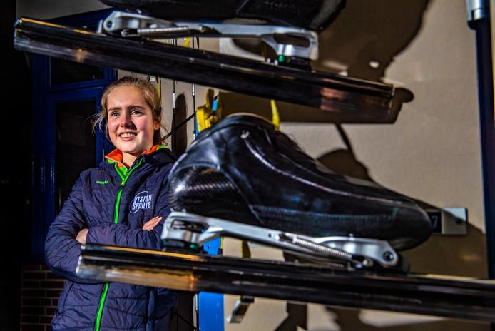 De 17-jarige Eline Jansen maakt zich klaar voor het NK allround, aankomend weekend in Heerenveen.
