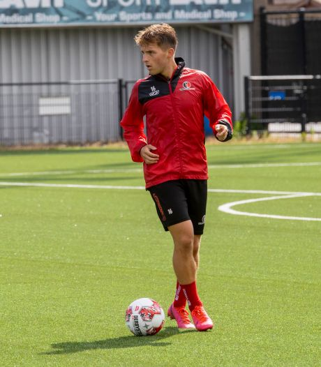 Helmond Sport aast op Dean van der Sluijs, linksback traint al mee