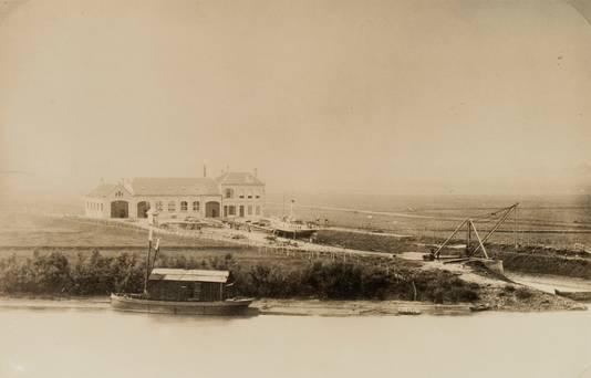De ASM scheepswerf in 1890, een jaar na de oprichting door de familie Prins.