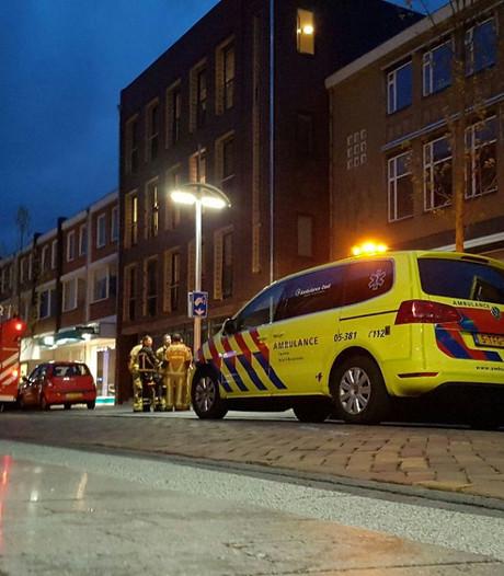 Appartementencomplex in Hengelo tijdelijk ontruimd na brandje