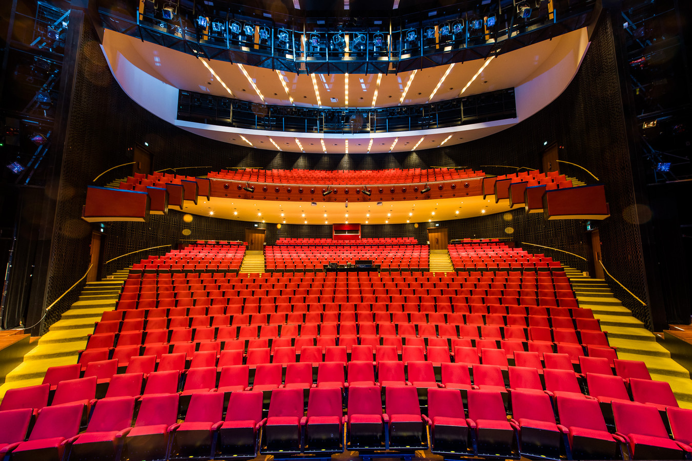 Lege zaal in het Parktheater in Eindhoven.