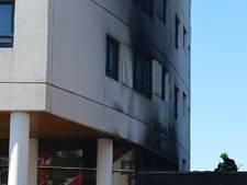 Woningen ontruimd na brand aan Anna Blamanplein