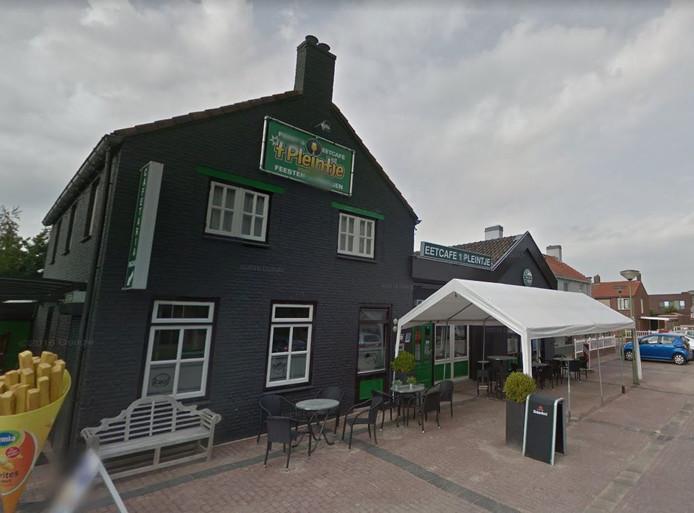 Café 't Pleintje in Dussen.