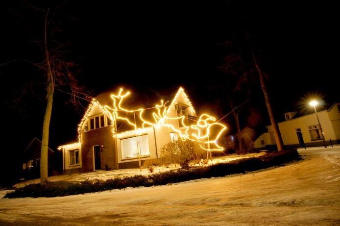 De kerstman stijgt op. Lauwe on Light 2010.