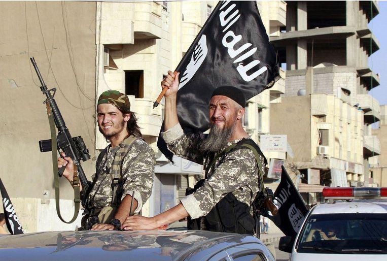 IS-militanten in de hoofdstad van het zelfverklaarde kalifaat, de Syrische stad Raqqa.