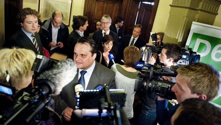 Demissionair minister van Financiën Jan Kees de Jager staat de pers te woord na afloop van de onderhandelingen met de fractieleiders Jolande Sap (GroenLinks), Alexander Pechtold (D66) en Arie Slob (ChristenUnie). Beeld anp