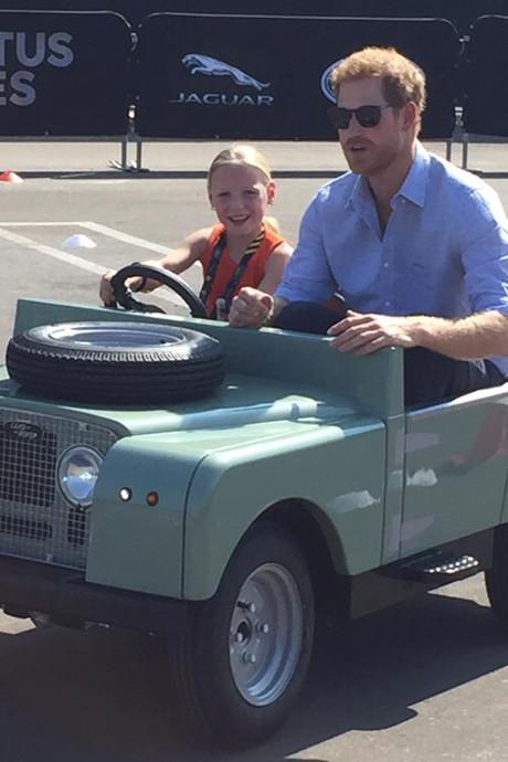 Apeldoornse (5) chauffeur van Prins Harry