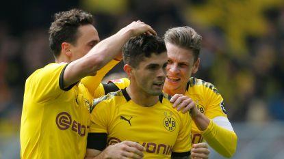 Titeldroom blijft dan toch levend: Dortmund klopt Düsseldorf en ziet Bayern punten verspelen