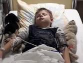 Damien (8) maand na besmetting op ic: 'Wie denkt dat corona onzin is, mag naar mijn zoontje komen kijken'