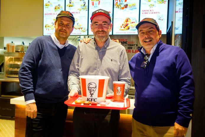 Opening KFC restaurant in Wijnegem Shopping. Rini Kuiper (Operations Manager, Cors Donkers (Restaurant Manager), Hans Wingender (General Manager).