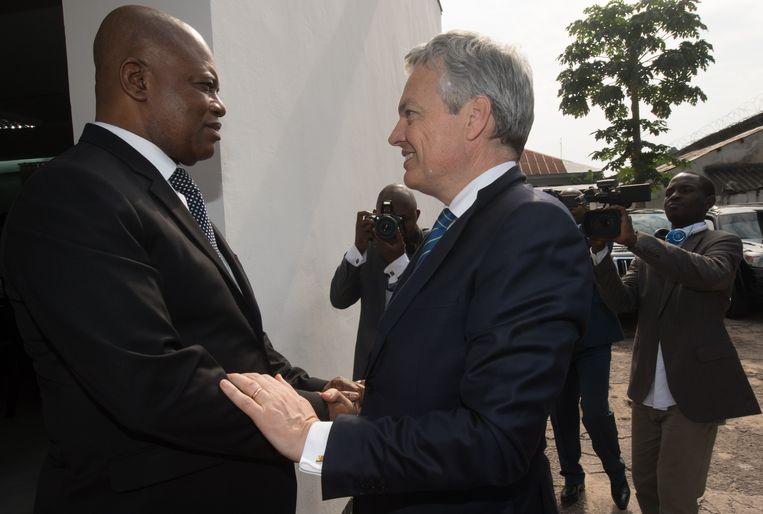 De Belgische minister van Buitenlandse Zaken Didier Reynders met de Congolese minister van Binnenlandse Zaken Evariste Boshab tijdens een diplomatieke missie in 2016.