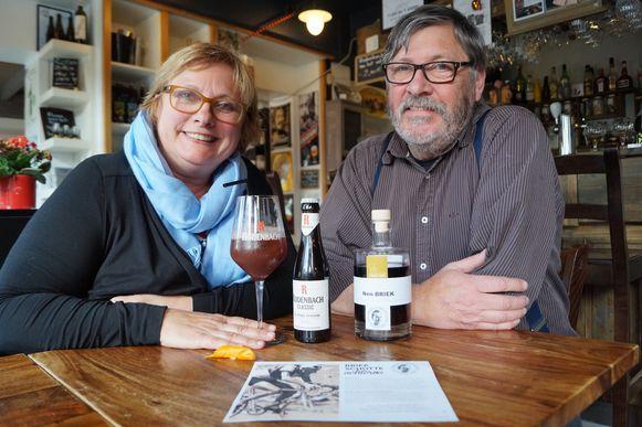 Mieke De Jaegher en Patrick D'hont van 't Een en 't Ander lanceren met 'Nen Briek' een thematische biercocktail die gemaakt is met streekproducten
