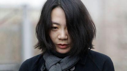 Topvrouw Korean Air door het lint over nootjes in zakje: steward vergoeding van 15.700 euro toegewezen