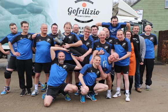 Recreatieve Volleybalclub Blijf-Fit weer helemaal in het nieuw dankzij hun sponsor.