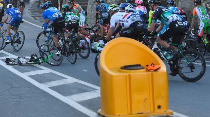 """Koers kort 19/03: Schoen van Cavendish blijft achter op verkeerseiland - Greipel: """"Komende weken staan in teken van revalidatie"""""""