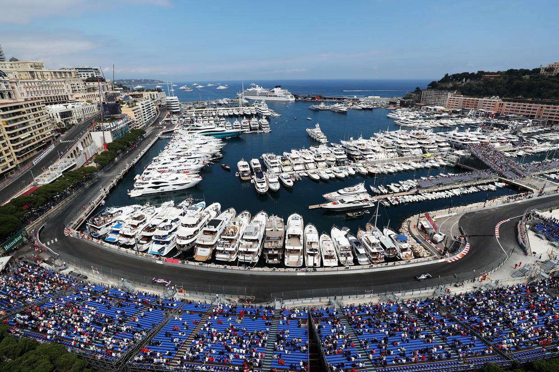 De Tabac- en Louis Chiron-bochten rond de haven van Monaco, tijdens de tweede testsessie op het fameuze circuit van Monaco.