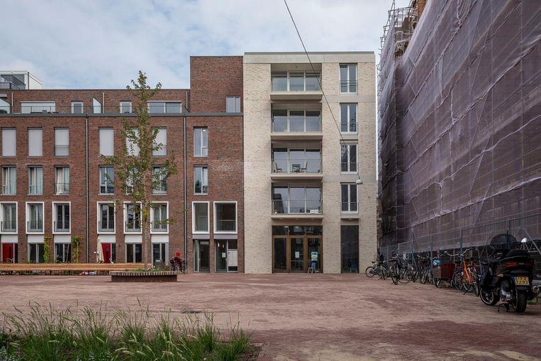 CC Amstel, het nieuwe theater aan het Cullinaplein in de Pijp Beeld Rink Hof