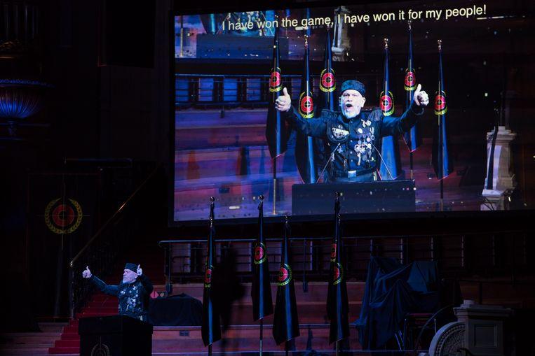 John Malkovich in het Concertgebouw Beeld ronald knapp