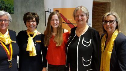 Zonta bekroont Britt (17), sterke vrouw in het 'VTI-mannenbastion', met award