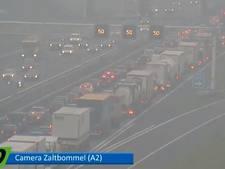 Verkeer vast op A2 na ongeval bij Waardenburg