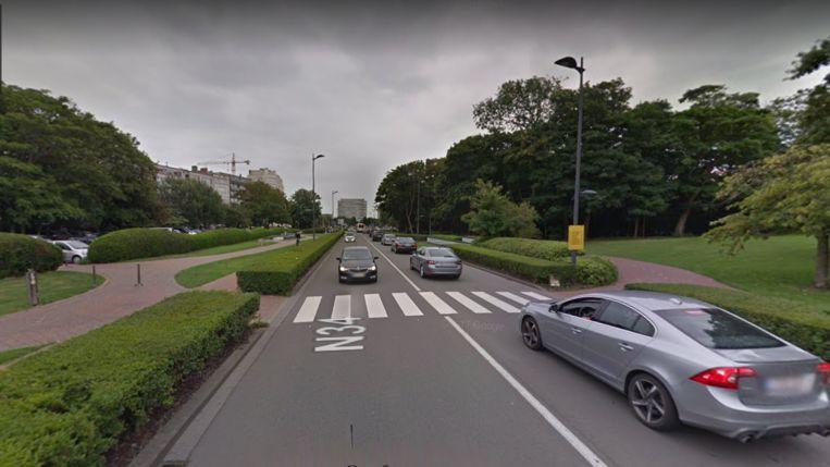 Het ongeval gebeurde op dit zebrapad, in de Leopold II-laan in Oostende.